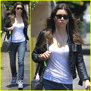 Jessica Biel: Summer Leather Love!