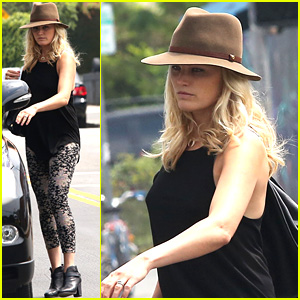 Malin Akerman: Blinkers Were Put on Your Car for a Reason!