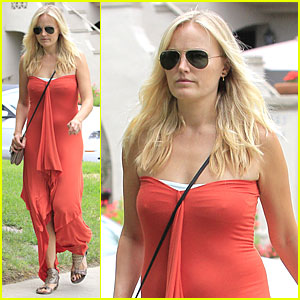 Malin Akerman: Bright House Visit!