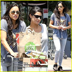 Michelle Rodriguez: Grocery Shopping with Gal Pal Kim!
