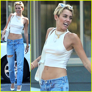 Miley Cyrus Grabs Lunch in Studio City, Bares Midriff