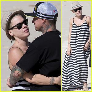 Pink & Carey Hart Share Hugs & Kisses on the Brisbane Beach!
