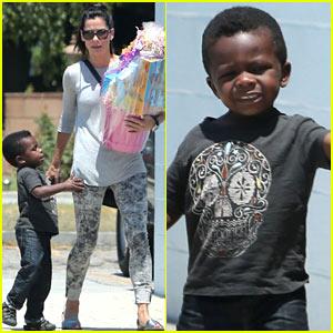 Sandra Bullock Inside Her Life With Son Louis | LONG ... Sandra Bullock Children