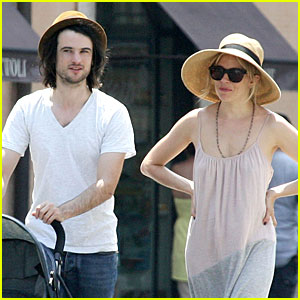 Sienna Miller & Tom Sturridge: Villa Borghese with Marlowe!