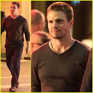 Stephen Amell: Yoga Poses Have No Regard for Testicles!