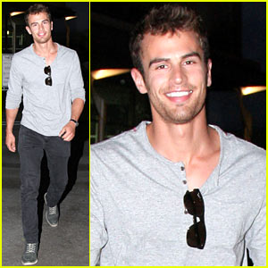 Theo James Talks 'Divergent' Stunt Work & Stitches Incident!