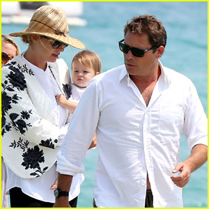 Uma Thurman: Family Boat Trip in Saint-Tropez