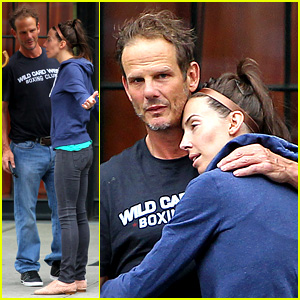 Whitney Cummings & Peter Berg: Cuddling Couple in NYC!