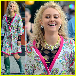 AnnaSophia Robb: 'Carrie Diaries' Season Two is Sexier, Says Co-Star!