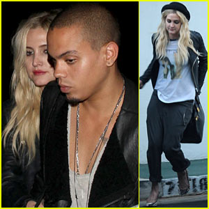 Ashlee Simpson & Evan Ross Dine Out After Meeting His Family
