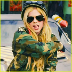 Avril Lavigne: 'Rock N Roll' Music Video Premiere - Watch Now!