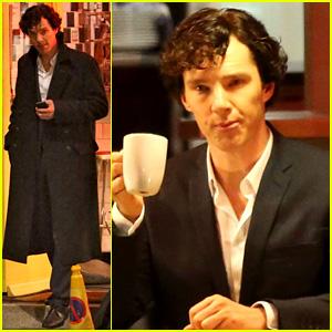 Benedict Cumberbatch Films 'Sherlock' at New York Pizza Joint