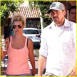 Britney Spears is 'Feeling It' in Dance Rehearsals