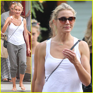 Cameron Diaz Shows Toned Arms for Friends Gathering!