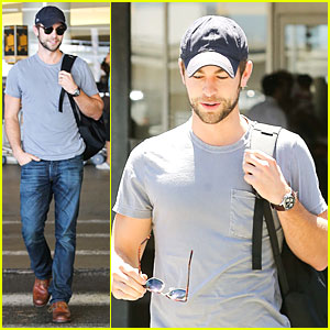 Chace Crawford: Backpack Carrying Stud at LAX!