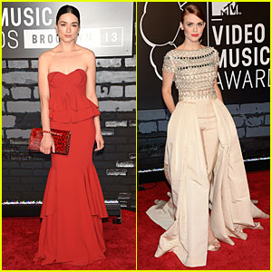 Crystal Reed & Holland Roden - MTV VMAs 2013 Red Carpet