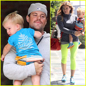 Hilary Duff & Mike Comrie: Luca's Drum Beating Music Class!