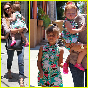 Jessica Alba: Honor & Haven Wear Matching Outfits!