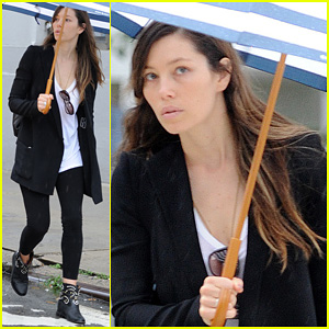 Jessica Biel: Rainy Day in NYC