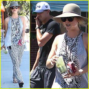 Kaley Cuoco & Ryan Sweeting: Lunch After Michael Jackson Marathon!