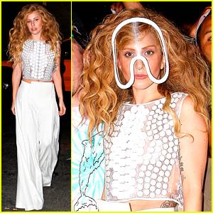 Lady Gaga: 'Applause' Tops Billboard's Dance/Electronic Chart!