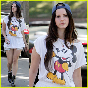Lana Del Rey Shows Mickey Mouse Love in LA!