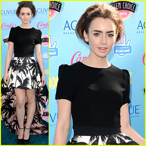 Lily Collins - Teen Choice Awards 2013 Red Carpet