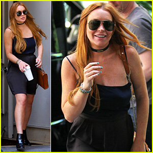Lindsay Lohan Goes Shopping in New York City