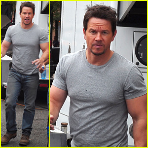 Mark Wahlberg Flaunts Big Muscles on 'Transformers 4' Set