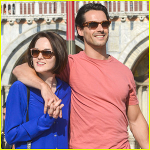 Michelle Dockery Steps Out with Hunky New Boyfriend!