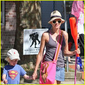 Naomi Watts: Wiffle Ball Fun with Son Samuel