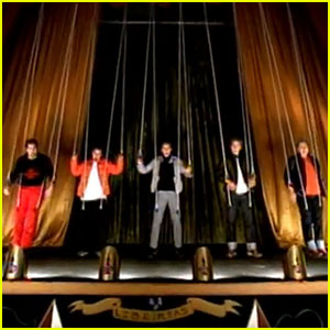 'NSYNC Reunion at VMAs 2013 - Watch Best Music Videos!