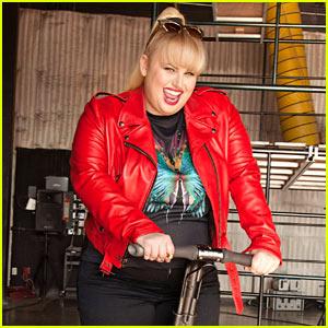 Rebel Wilson Rides Segway for 'Cosmopolitan' September 2013