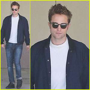 Robert Pattinson: Cool Office Building Exit!