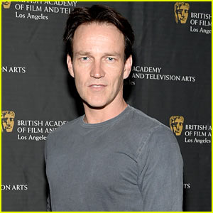 Stephen Moyer: Sound of Music's Captain Von Trapp for Live Broadcast!