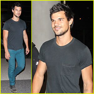 Taylor Lautner Takes Flight Out of Los Angeles