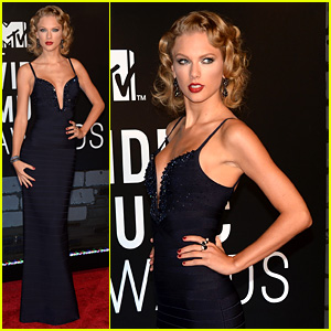 Taylor Swift - MTV VMAs 2013 Red Carpet