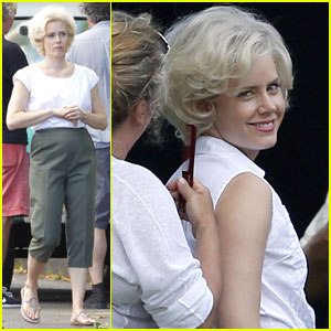 Amy Adams Goes Blonde for 'Big Eyes' Filming