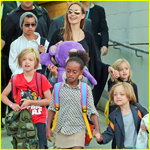 Angelina Jolie Arrives in Sydney with All Six Kids!
