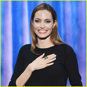 Angelina Jolie Receiving Governors Awards' Humanitarian Honor!