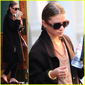 Ashley Olsen Sports Wet Hair for Big Apple Outing