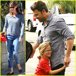 Ben Affleck Gets Hugs From Violet After Big Family Outing!