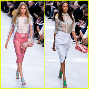 Cara Delevingne & Jourdan Dunn Walk in Burberry Show