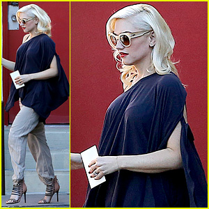 Gwen Stefani Steps Out After Pregnancy Rumors Surface