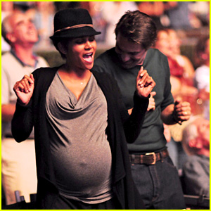 Halle Berry Dances at Concert with Large Baby Bump!