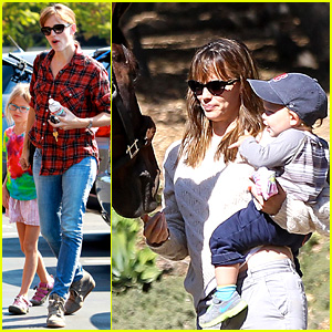 Jennifer Garner Brings Samuel to Meet a Horse!