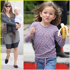 Jennifer Garner: Mommy Errands with the Kids!