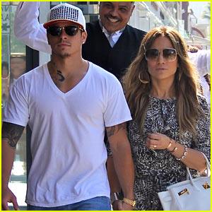 Jennifer Lopez & Casper Smart Hold Hands for Shopping Trip!