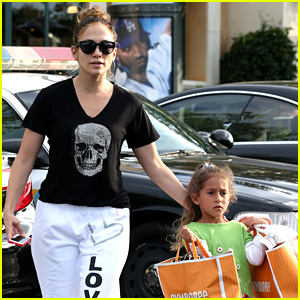 Jennifer Lopez Shops with Emme Before 'Idol' Auditions Begin