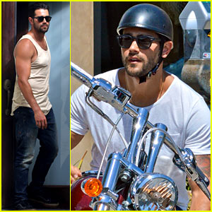 Jesse Metcalfe Motors on Labor Day Before Katy Perry's Party!